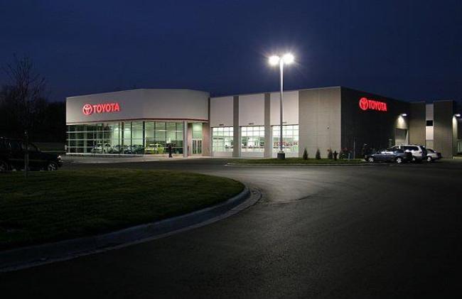 Burnsville Toyota - Burnsville, MN