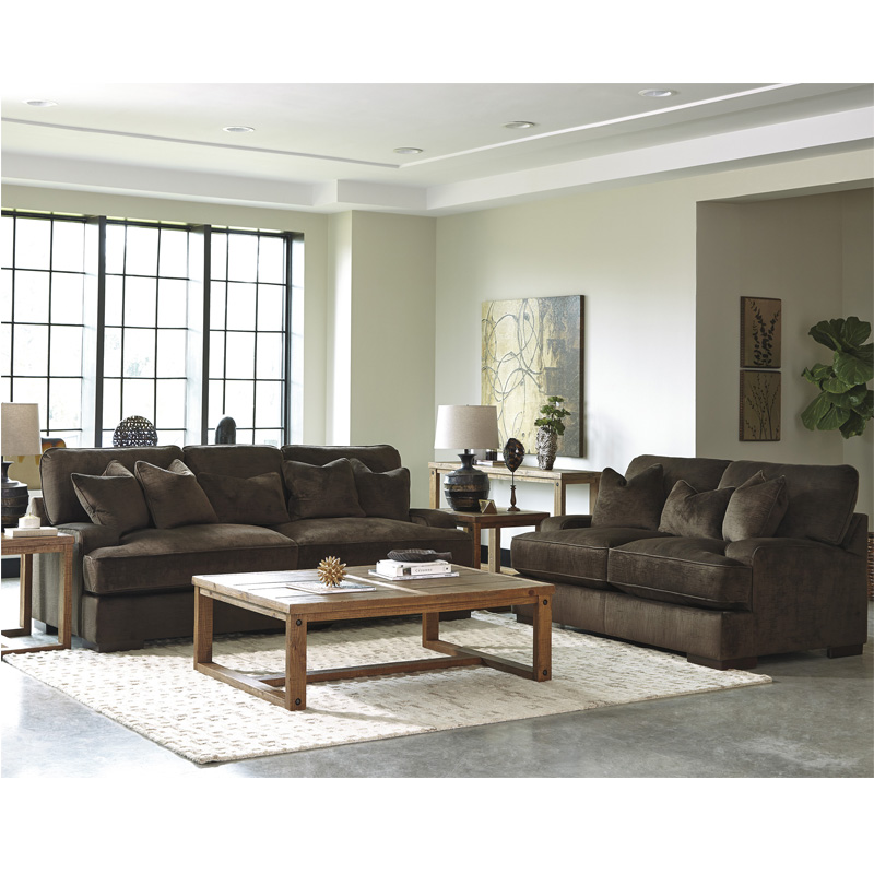 WG AND R FURNITURE COMPANY - Manitowoc, WI